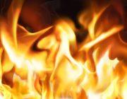 映画で切り傷を火で焼いてるシーンがあるけどさ