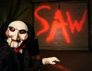 「SAW(ソウ)」って映画は1作目とそれ以降でまったく別映画だよな