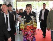 【映画】沢尻エリカ、グッチのドレス姿で現地ファン魅了!上海国際映画祭で「猫は抱くもの」公式上映