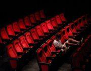 映画って一人で行くのハードル高すぎひん?