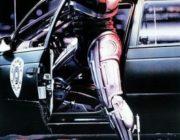 映画『ロボコップ』(1987)とは何だったのか?過去の記憶に苦悩するロボット警官。社会への風刺性に富んだ大人向けメタルヒーロー映画