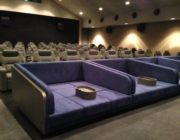 映画館のカップルシートってなんかエロくね?